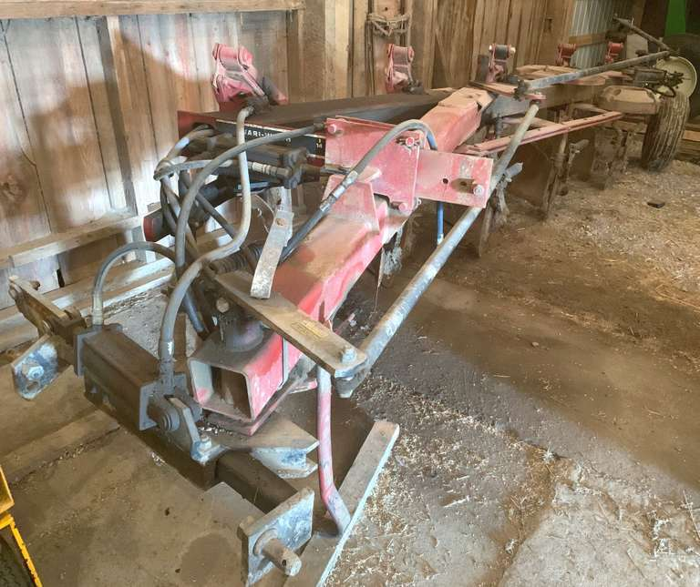 "Case International Harvester 735 5-Bottom Variable Width Plow, Adjustable Width from 14"" to 22"", Newer Moldboards, Tires Good"