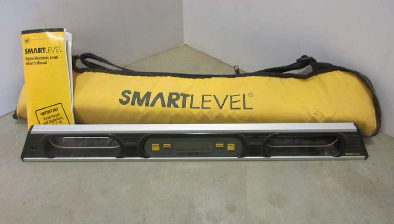 Smart Level Pro, Battery Operated Digital Display Level, Never used, 2'L