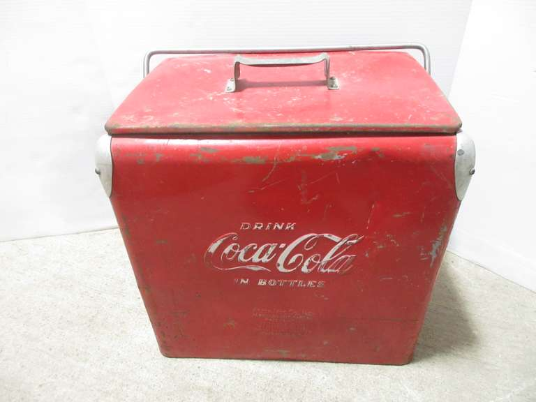 Older Coca-Cola in Bottles Red Cooler, Has Tray