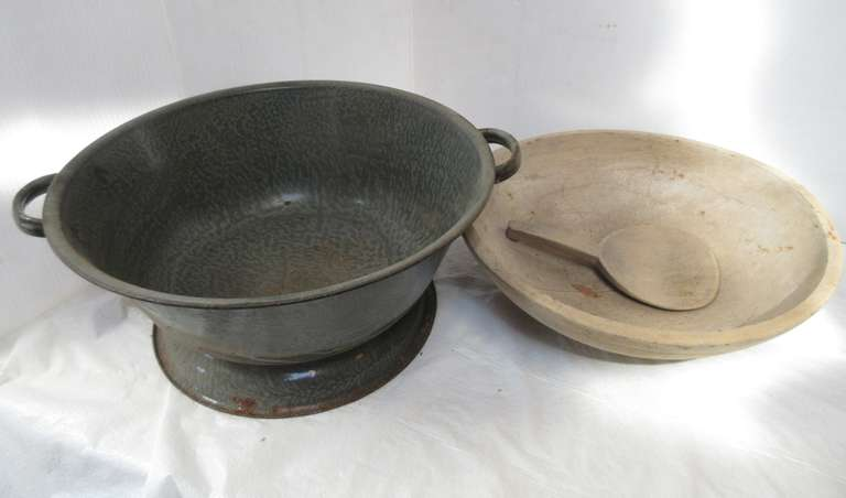 "Graniteware 16"" Kettle and 15"" Butter Bowl (Has Crack) and Paddle"