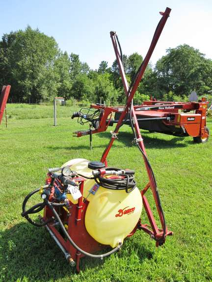 Demco 20' Boom Sprayer with Wand, 3-Point Hitch, Very Good Condition