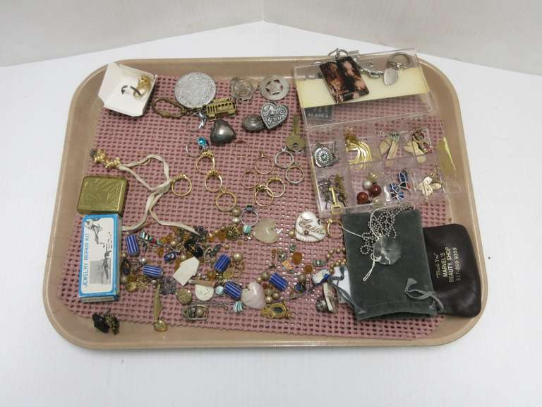 Old Costume Jewelry, Including: Rings (Tray Not Included)