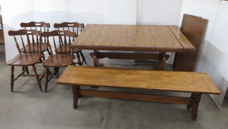 Table with (4) Chairs, Bench Seat, and (2) Leaves