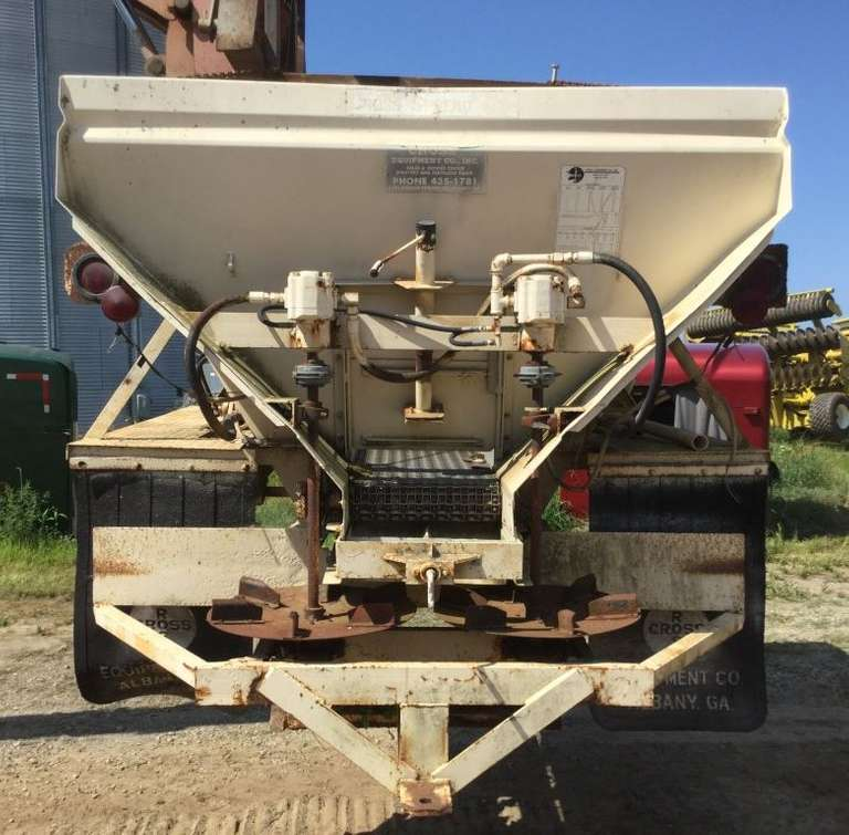 Cross Lime/Fertilizer Spreader, Has Been Sitting for a Few Years but is Complete