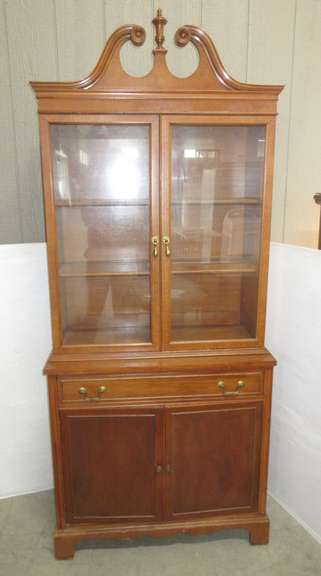 Wood China Hutch with Two Shelves and Storage Below
