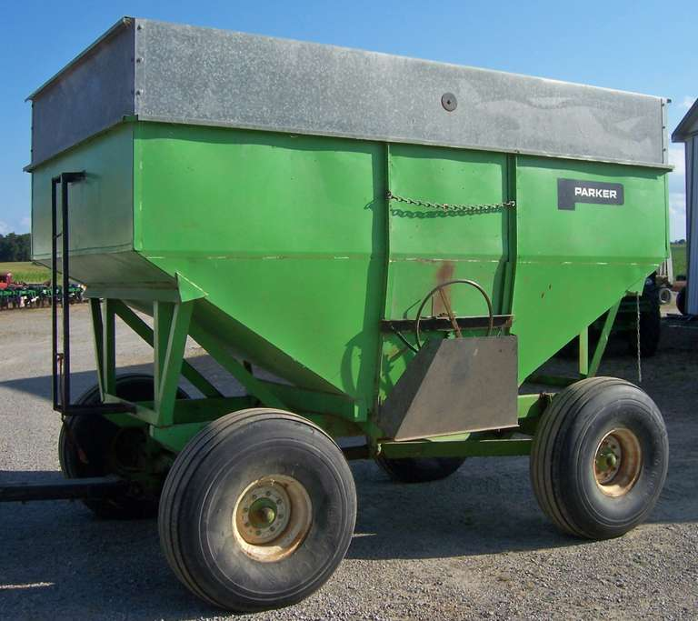 Parker 350-Bushel Gravity Box Wagon, Packer Running Gear