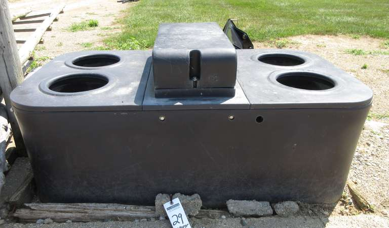 4-Hole Self Waterer, Very Good Condition
