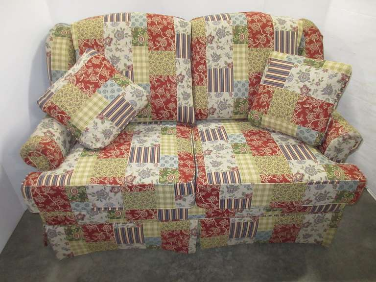 "Loveseat with 5"" Extra Firm Cushion and (2) Matching Pillows"