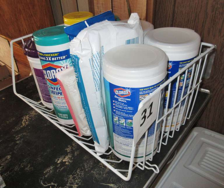 Group of Clorox Wipes