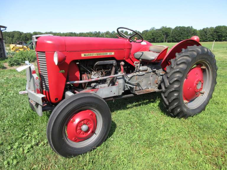 Rare Massey Ferguson 25 4-Cylinder Diesel Engine Tractor, Rear Remote, 3-Point Hitch, New Front Tires, Runs Great, Used All the Time but has Some Engine Blowby, Needs Rings