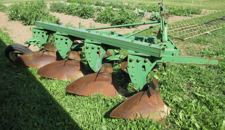 "John Deere 4-Bottom 16"" Plow with Cutting Blades, Very Good Condition"