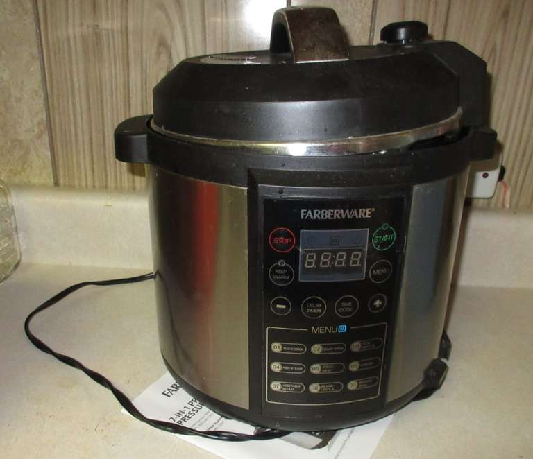 Farberware 7-in-1 Programmable Pressure Cooker with Manual, Good Condition