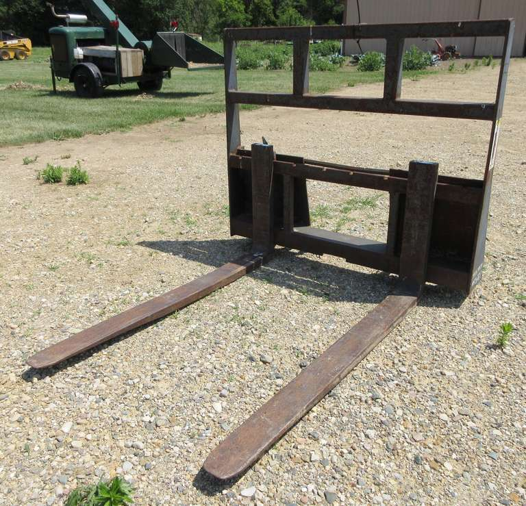 "Skidsteer 48"" Forks, Bracket on Backside, 45""W Inside"
