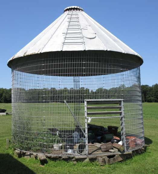 Wire Corn Crib, Approx. 16'Dia, To be Removed by Buyer