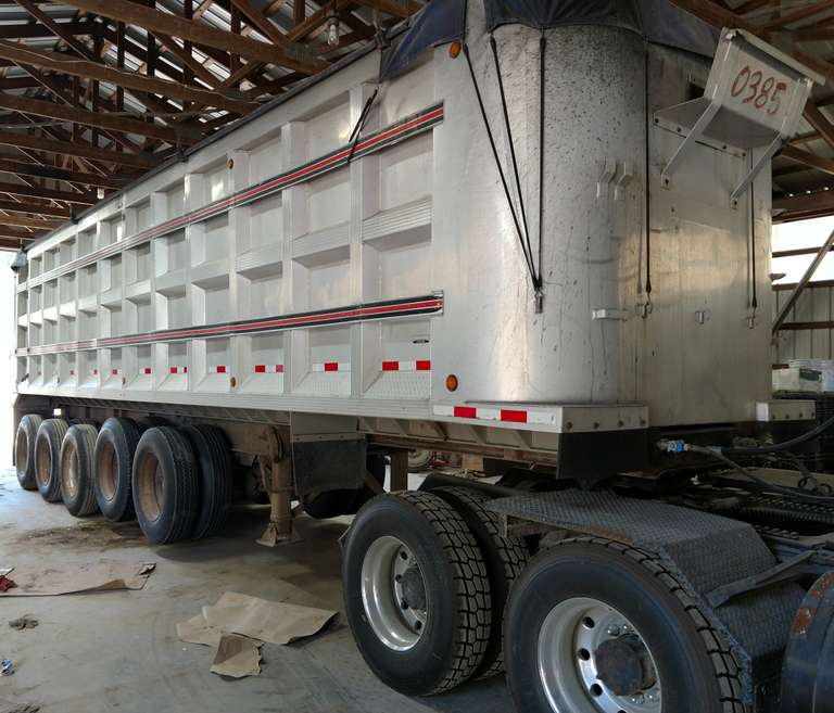 1989 Benson 35' Trailer, Good Floor, Dry Hoist, Good Tarp, Nice Trailer, Seller will Deliver for Buyer for a Fee, Clean and Clear Title
