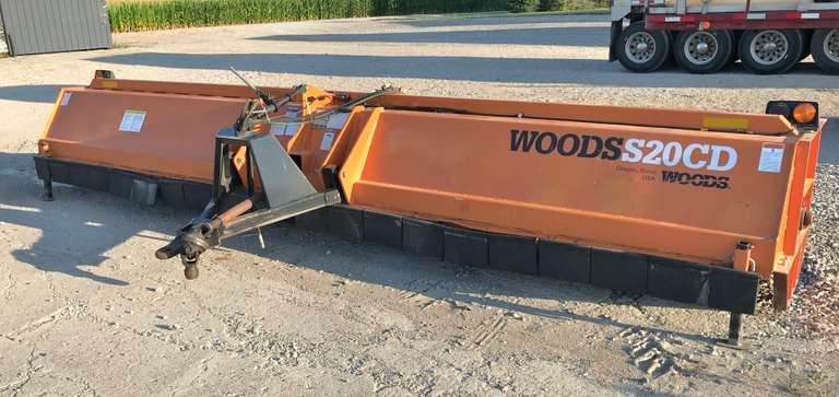 Woods 20' Stalk Shredder, SN:  1135158, S20CD with Only Approx. 1600 Acres on it