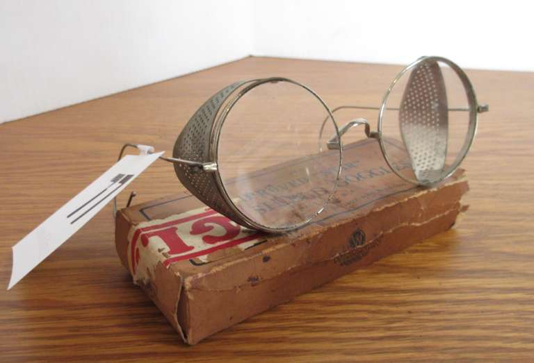 "Unusual 1916 ""Shield Goggles"" in Original Box"