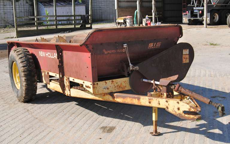 New Holland 516 Manure Spreader, Decent Condition for Age, Works as it Should