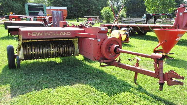 New Holland 273 Square Baler, Used This Year, Very Good Working Condition, New Tires Put on Two Years Ago