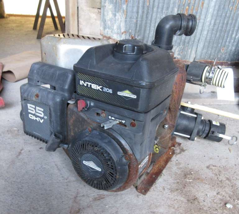Briggs & Stratton 5.5 HP Engine with Banjo Transfer Pump with Extra Valves