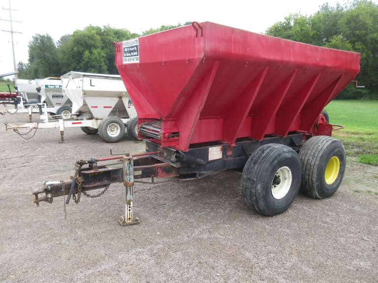 Highway Equipment Co 8-Ton Tandem Axle Lime Spreader, Model TL-2000, Serial No. 69352, 16.5L-16.1 SL Tires