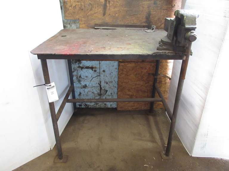 "Welding Table with 4"" Vise, 30"" x 38"" x 37""H, 1/4""Thick Top Plate"