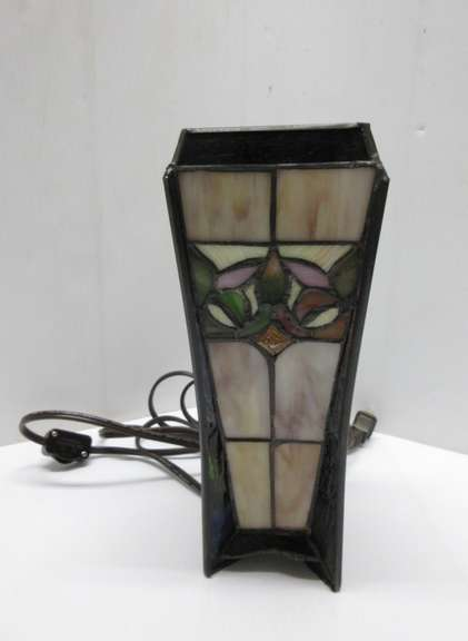 Tiffany Style Lamp Light, Can Use as a Night Light