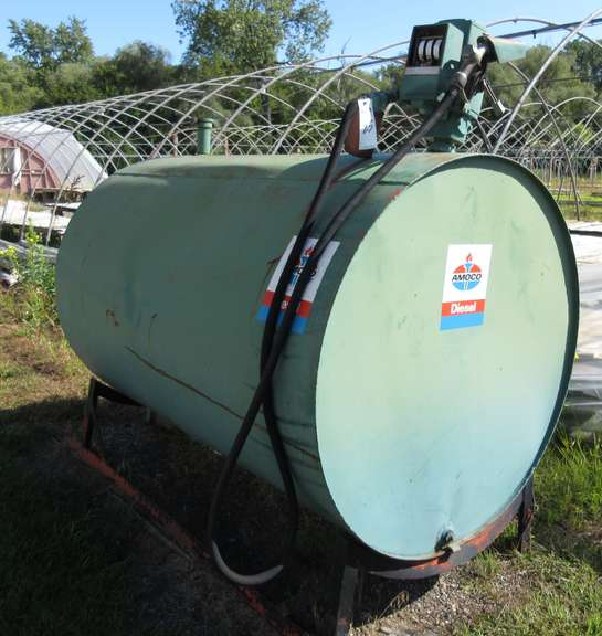 300-Gallon Diesel Tank with Pump, Has a Dent