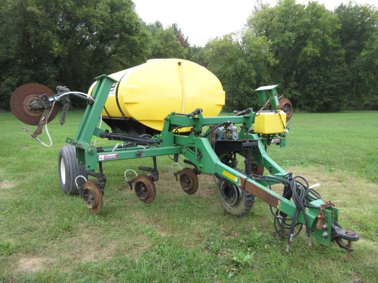 "Red Ball 1410 Liquid Fertilizer Applicator with 1,000-Gallon Tank, Frame Approx. 11'W  Plus 32"" Wings, Serial No. 1410007-100114"