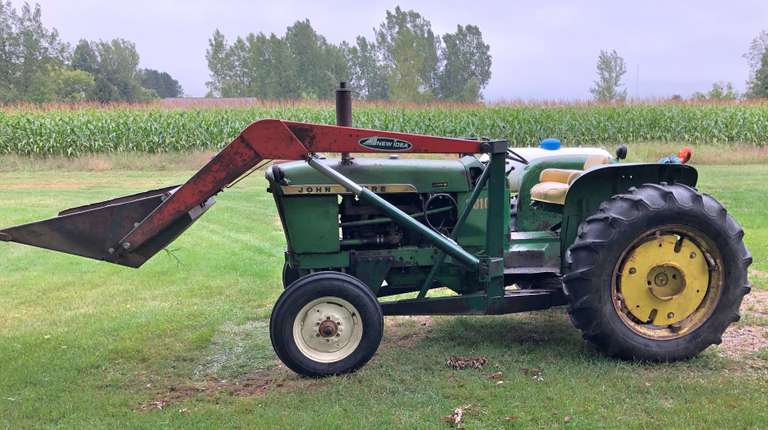 1962 John Deere 2010 2WD Gas Tractor with New Idea Loader, Serial No. RU24325, (Hours Unknown), 40 HP, Synchro Transmission, 3-Point Hitch, Rear PTO 540, One Set Rear Remote, 6.00-16 Front Tires, 13.6x28 Rear Tires (Loaded), No Rear Wheel Weights