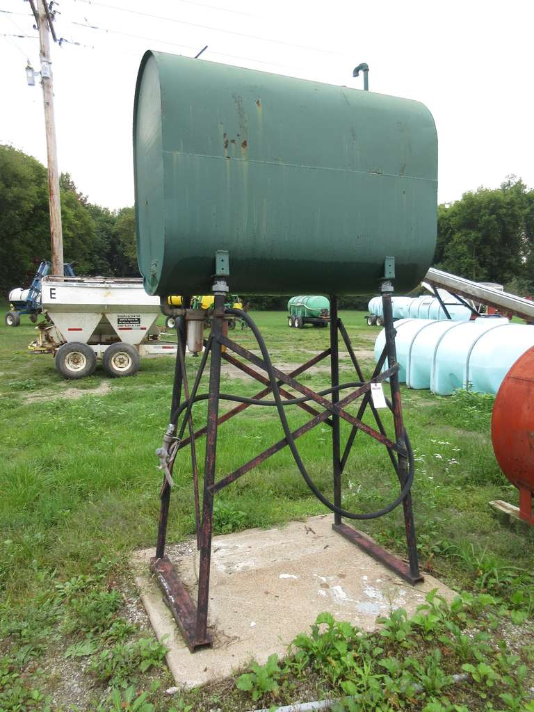 200-Gallon Diesel Tank on Stand