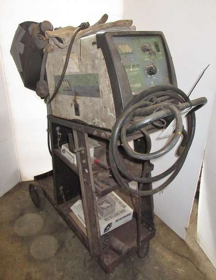 Weldmark 180 Wire Feed Welder, 25-180 AMP Output, 230V Input, Comes with Tank and Gauges