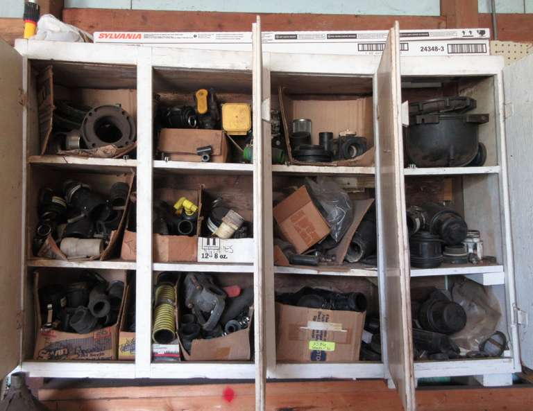 Contents of Cabinets, Includes: Lots of Banjo Fittings and Quick Connects