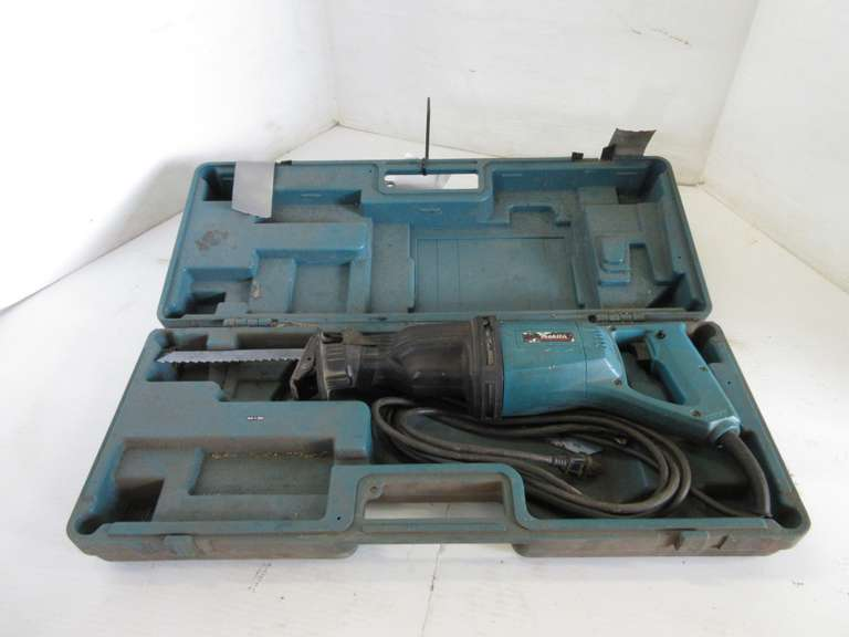 Makita Electric Reciprocating Saw in Case, Case is Missing Latches