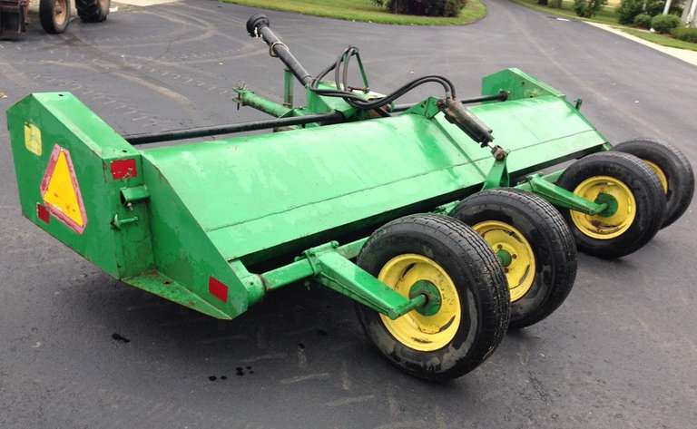 John Deere 27 Flail Shredder, Hood and Knives Good, Many New Spare Parts
