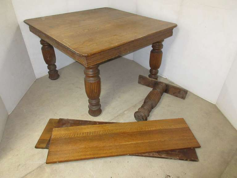 Older Oak Frame Table with (3) Leaves and (5) Legs