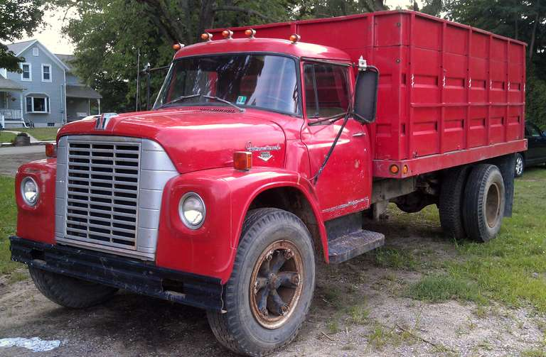 1970 International Harvester Loadstar 1600 Grain Truck, (72,000 Miles), Hoist Works Well, Solid Box, Good Cab, Tires are Good, Runs Well, Clean and Clear Title