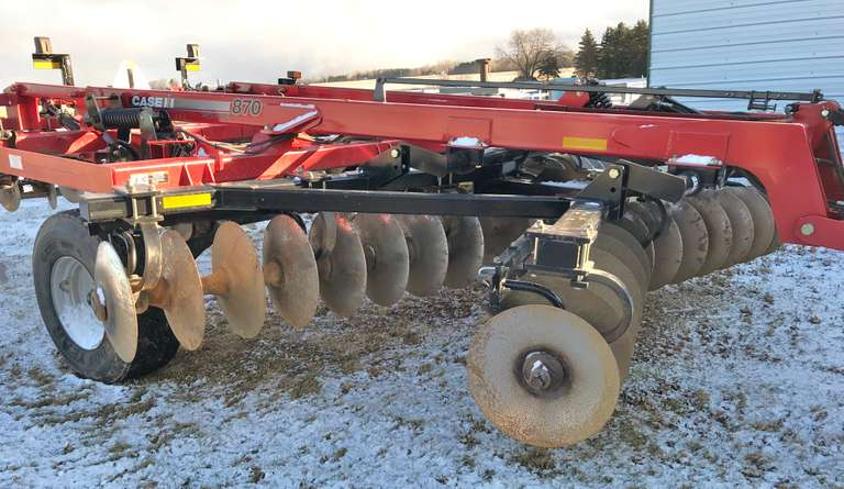 2011 Case International 870 7-Shank Disc Ripper, Rear Leveler, Very Nice Condition