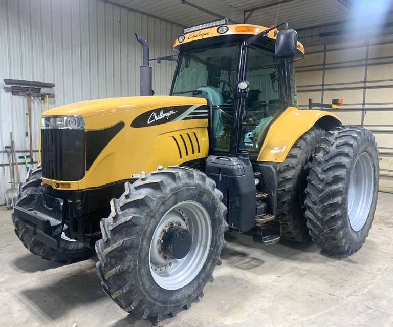 2009 Challenger 575B Tractor, (2849 Hours), Go Fast CVT Transmission, 480/80R42 Rear Tires with Duals, 380/85R30 Front Tires, Runs Well
