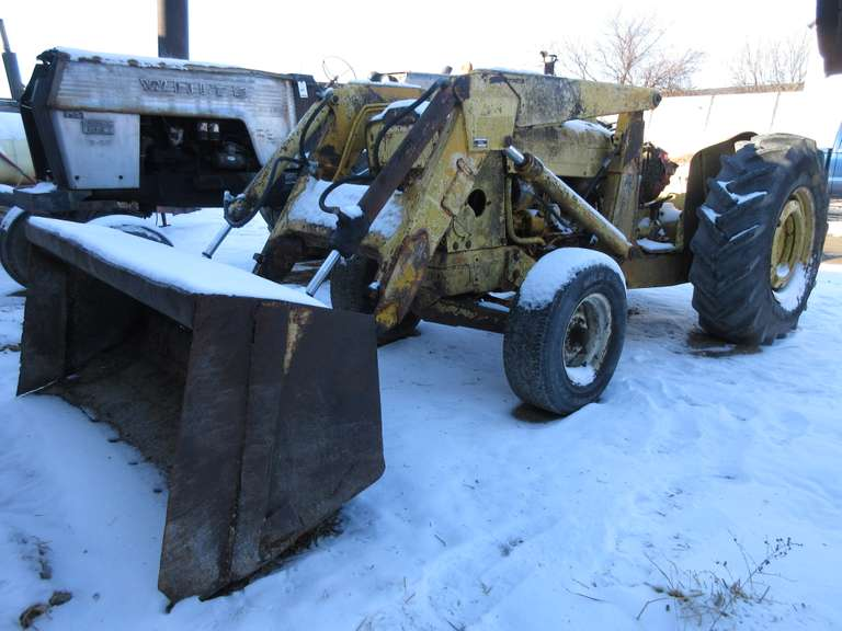 Ford 4500 Loader Tractor with Stone Box, Runs