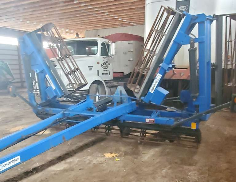 DMI 31' Rolling Harrow, Lights, New Tires, Double Fold, Good Bars, Field Ready