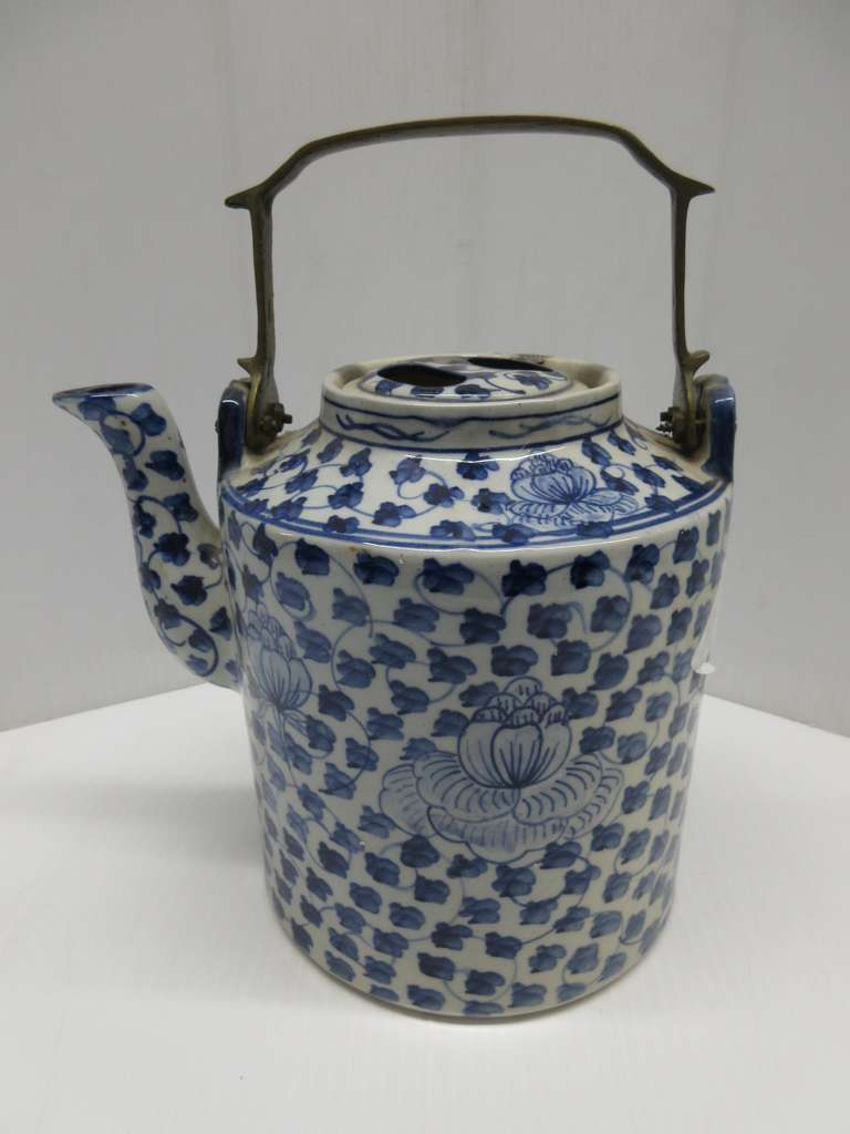 Antique Chinese Straits Oriental Pottery Tea Pot, Possibly Japanese Imari