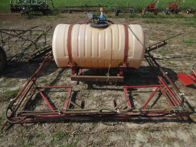 3-Pt. Spray Outfit with Fiberglas Tank (Covers 21'), with Pump