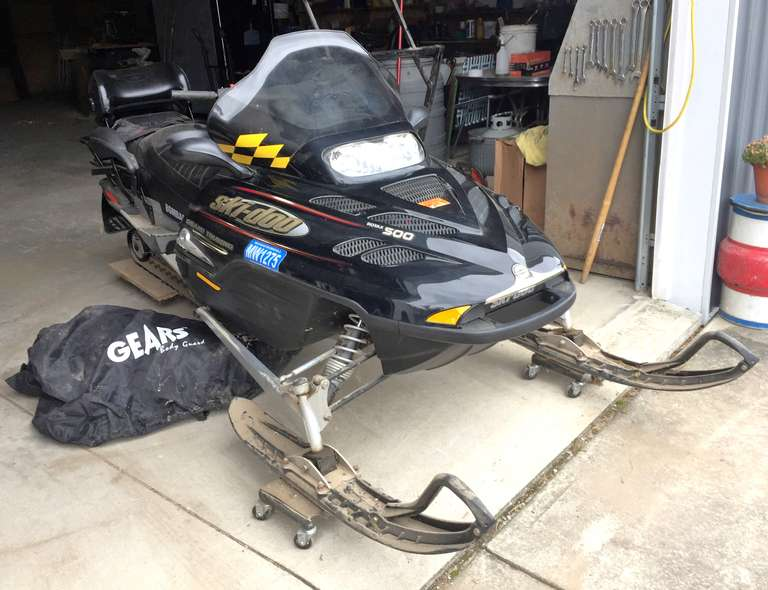 2003 Ski-Doo 500 Grand Touring Snowmobile, (1747 Original Miles), Electric Start, Reverse, Studded Track, Comes with Cart and Cover, Excellent Condition, Clean and Title
