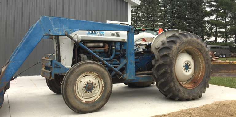 Ford 4000 Gas Tractor, Power Steering, Ford Loader with Trip Bucket, Ford 6' Blade, Good Running Condition