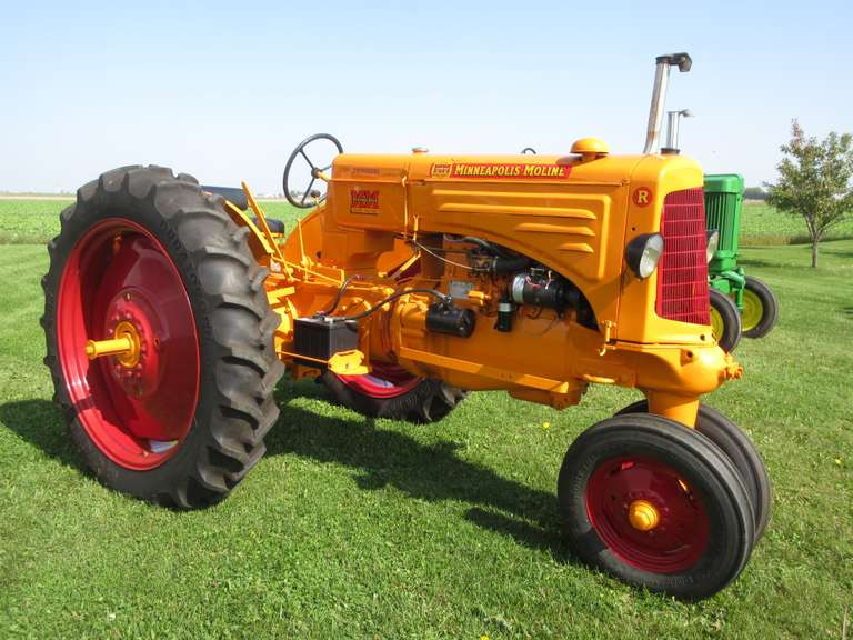 Minneapolis-Moline 'R' Tractor, Narrow Front, New 11.2-38 Tires and Like New Front Tires, Excellent Paint, Show Ready, Motor has been Rebuilt, Runs Great, Serial # 0224830114