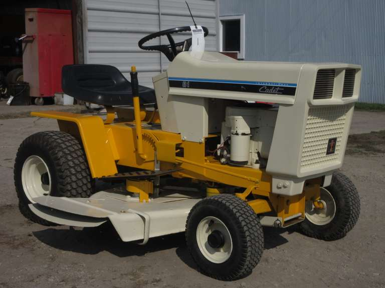 1977-78 International 'Cadet 81' Riding Mower with Deck (No Blades), Excellent Paint, Show Ready, 3-Speed Transmission, Not Run in Two Years, But Ran Very Good