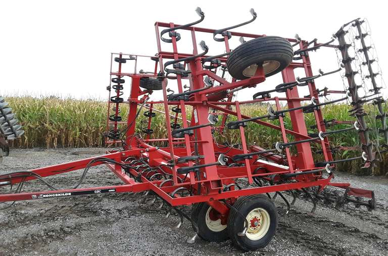 Kongskilde 25' Field Cultivator, High Clearance, Rolling Baskets, Leveler, Always Housed, Mint Condition