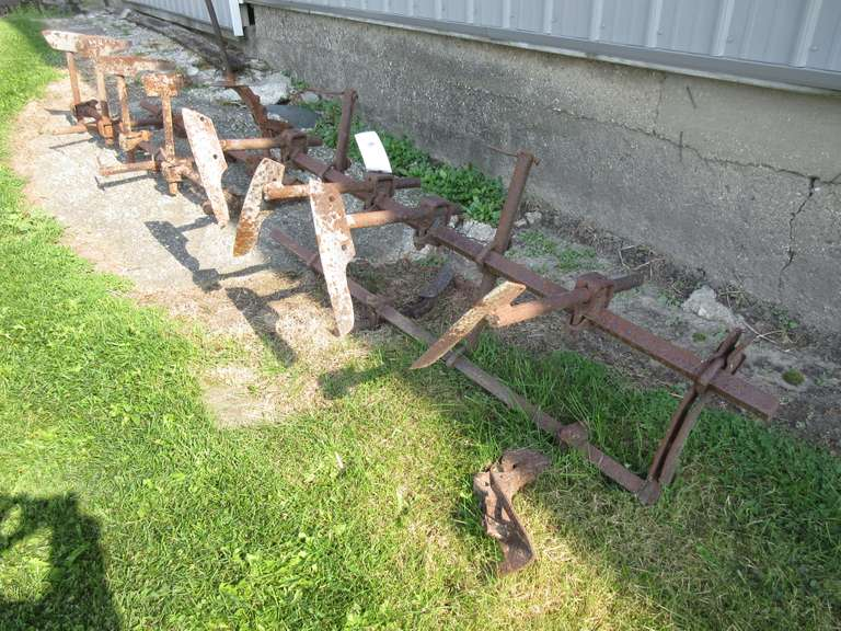 Old 4-Row Front Mount Cultivator