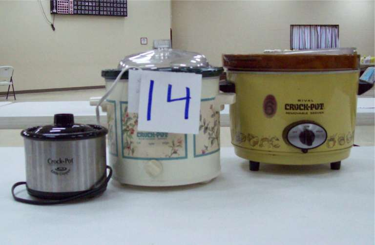 (3) Crockpots, Include: Six-Quart, Four-Quart, and Little Dipper